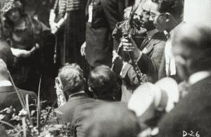 Al Jolson speaking during Warren G Harding's front porch campaign in 1920