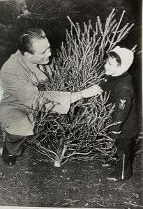 Elliott Roosevelt and 3 Year Old in NYC 12-11-1948