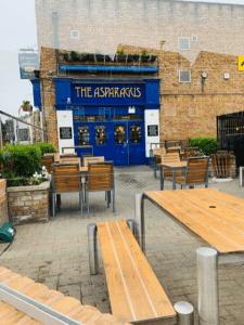 Asparagus tavern