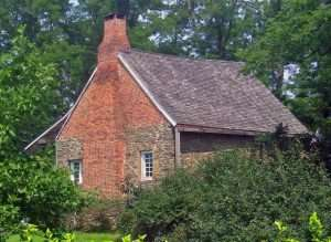 Stone Jug house in Clermont built by Palatine tenant farmer Konradt Lasher in the mid-1700s (photo by Wikimedia user Daniel Case)