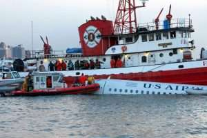 Fireboat McKean at the US Airways Flight 1549 Miracle on the Hudson crash landing
